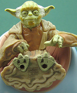 Hasbro Star Wars Episode I Yoda with Jedi Council Chair