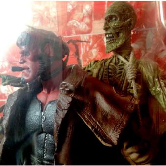 Mezco-Movie-Line-SDCC-Exclusive-Hellboy-Action-Figure04