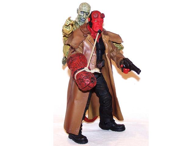 Mezco-Movie-Line-SDCC-Exclusive-Hellboy-Action-Figure06